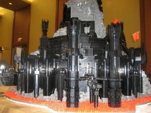 нижняя часть башни Саурона из лего