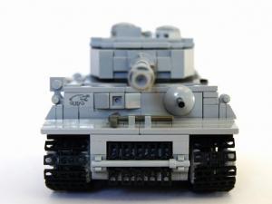 Модель серого танк