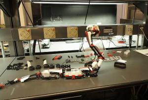 части робота-змея.