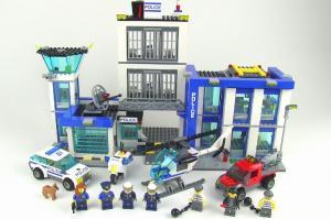 полицейский участок лего
