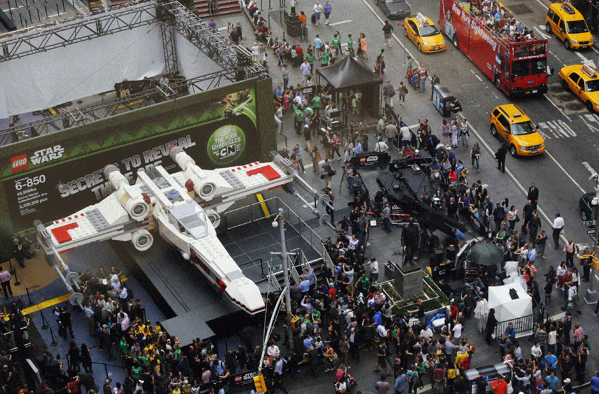 big-lego-x-wing-1