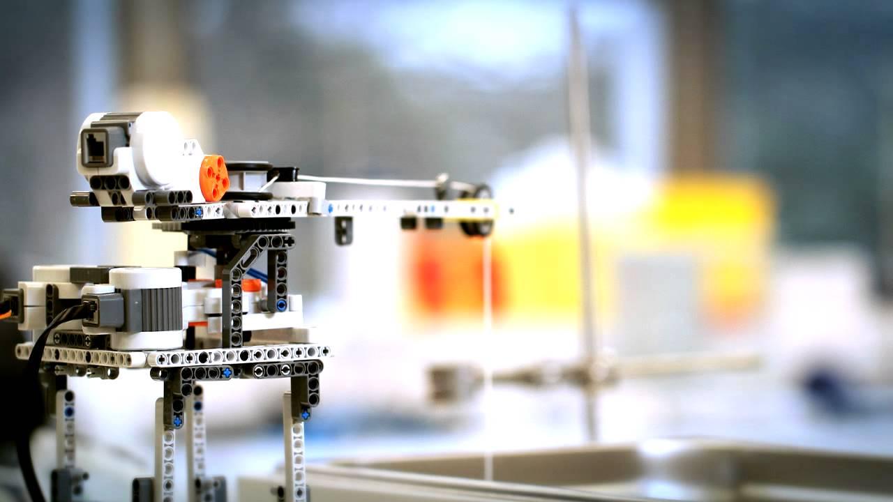 Лабораторные роботы из лего