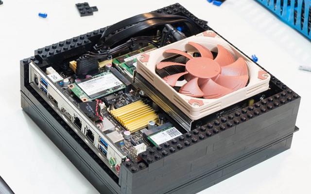 Компьютер из Лего
