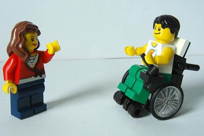 Lego представила фигурку инвалида-колясочника