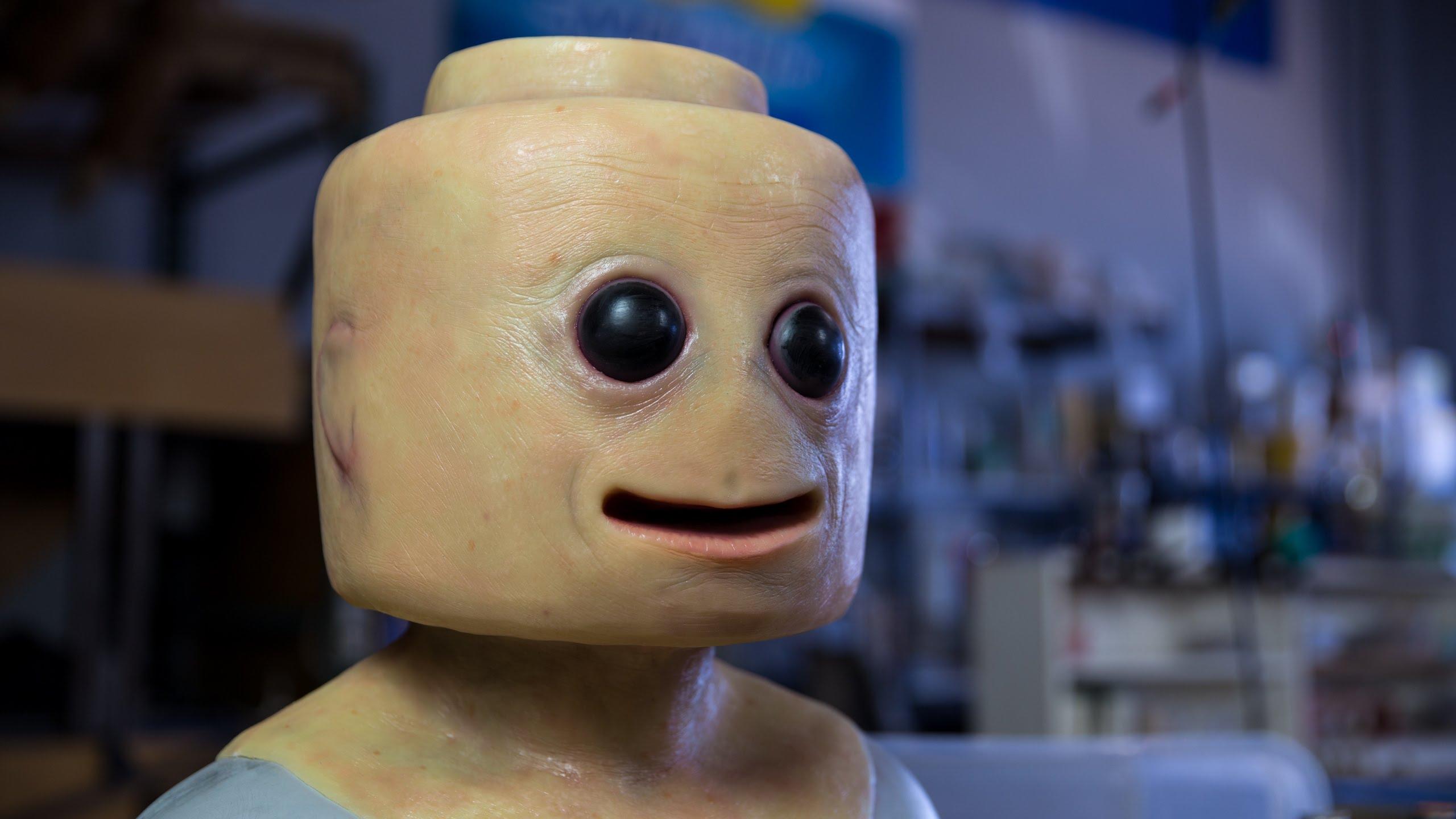 Лего-человек прямиком из фильма ужасов