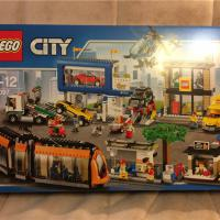 Продам Lego City 60097 Городская площадь