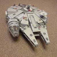 Продам сокол тысячелетия Lego (7965)