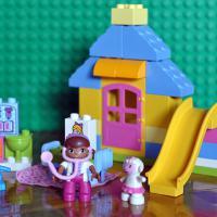 Продам Lego Duplo Двор доктора Плюшевой 10606 (39 деталей). Все детали в комплекте.