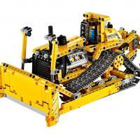 продам LEGO TECHNIC бульдозер 42028 в отличном состоянии.