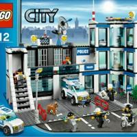 Продам конструктор lego city, артикул: 7498, полицейский участок (police station), с инструкциями, без коробки, набор в отличном состоянии.