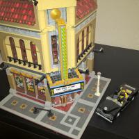 Конструктор LEGO Кинотеатр Палас код 10232 Б/У