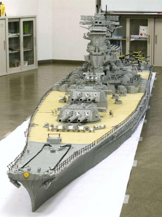 Самый большой корабль из лего
