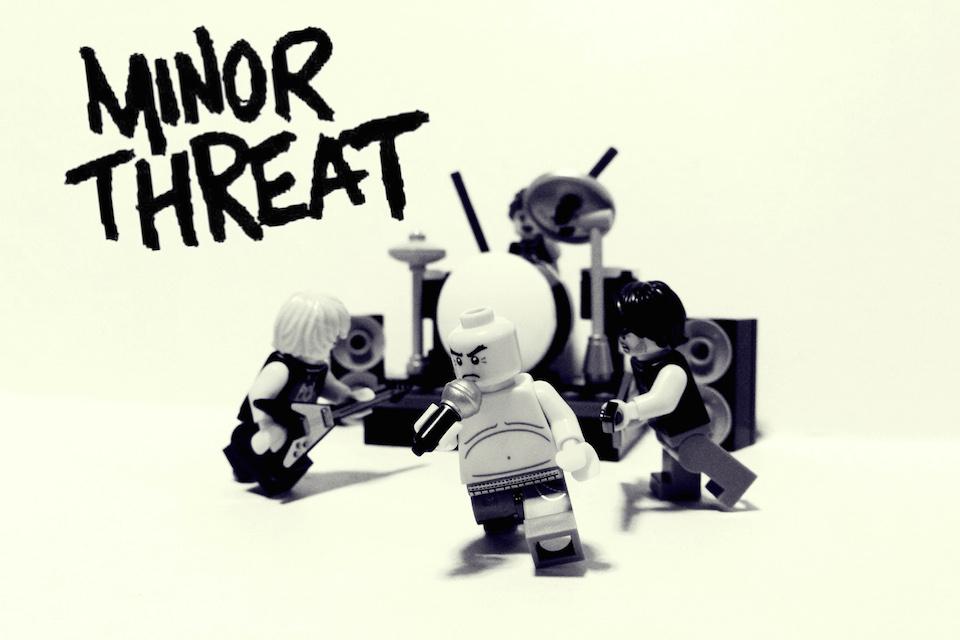 Рок-музыканты из фигурок Лего