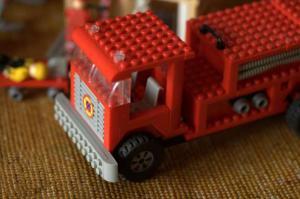 Машина 1 TOY