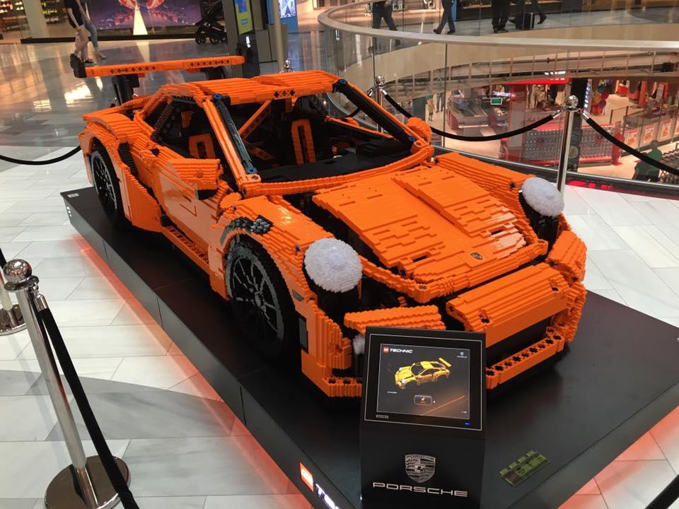 Porsche 911 GT3 RS в натуральную величину из лего