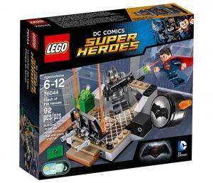 Бэтмен против Супермена: Битва супергероев