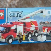 Пожарная машина Lego с приицепом новая в коробке