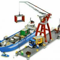 Продам конструкторы lego city: мусоровоз (артикул: 7991), гавань в городе (порт) (артикул: 7994), уборочная машина (артикул: 7242) с инструкциями, наборы в отличном состоянии.