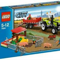 Продам конструктор lego city, артикул: 7684, свиноферма и трактор, с инструкцией, без коробки, набор в отличном состоянии.