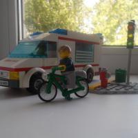 Лего Сити. Машина скорой помощи.